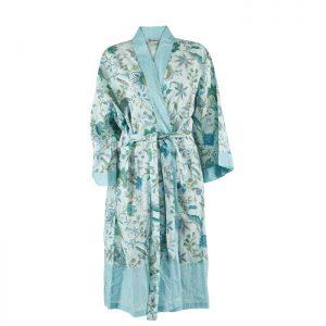 Smuk kimono fra Bahne Inteior. Kimonoen er fremstillet af økologisk bomuld og har et smukt mønster. Kimonoen er one size.Se mere fra Bahne Interior lige her.