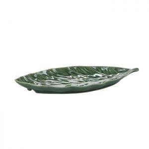 Skøn tallerken formet som et blad. Skålen er af malet porcelæn og måler L: 30