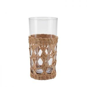 Skønt glas med en fin holder. Brug glasset til både kolde og varme drikke. Match med karaflen og glasset i mindre størrelse fra samme serie.Glasset måler H: 15