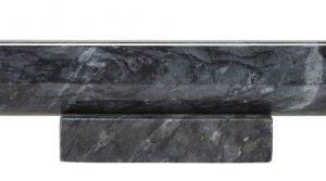 Sort kagerulle fra Bahne Interior lavet i marmor. Med denne smukke kagerulle er det ikke nødvendigt at pakke den væk i skuffen.