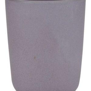 Fin kop fra Bahne Interior fremstillet af 50% bambus. Koppen er i en fin lilla farve.Koppen er 10 cm. høj og 8 cm. i diameter.